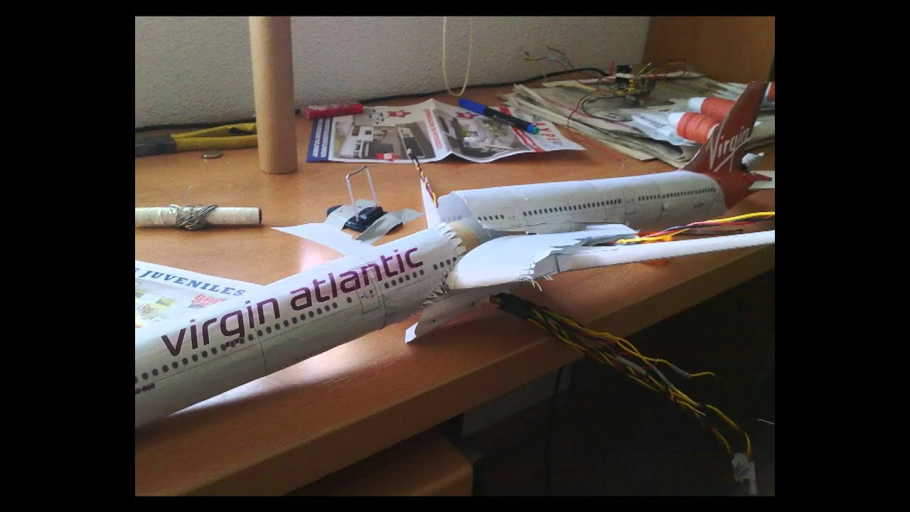 Papercraft Lighting Airbus 340-600 Paper Model
