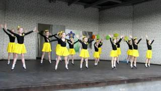 ТАНЕЦ УТЯТ(Выступление ансамбля народного танца
