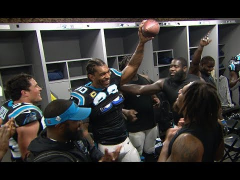 Peppers gives speech after receiving game ball