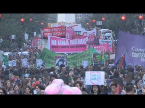 Paro en Argentina por la polémica absolución en un caso de presunta violación grupal