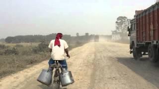 ビハール州の酷道を走る