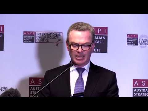 Minister Christopher Pyne announces the Defence Industrial Capacity Plan