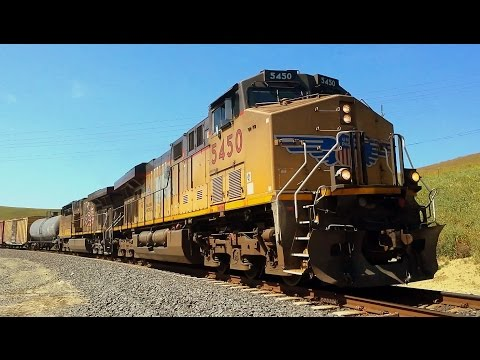 UNION PACIFIC Dual diesel GE Evolution ES44AC workhorses pull a mixed freight up Altamont Pass