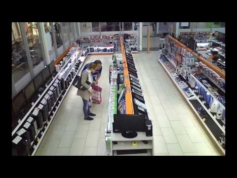 Кража из магазина цифровой техники в Великих Луках