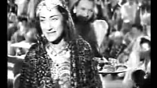 أسمهان يامين يقوللي قهوه - YouTube