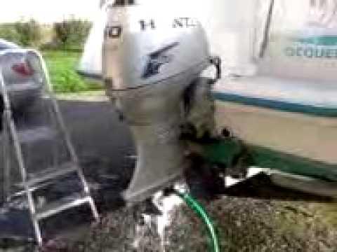 Rin age moteur 2 youtube for Housse moteur hors bord mercury