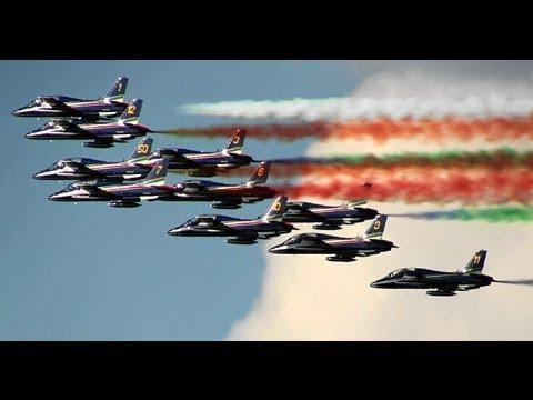 【HD】 Frecce Tricolori  Italian Air Force Aeronautica Militare Italiana Kecskemét Air show 2010