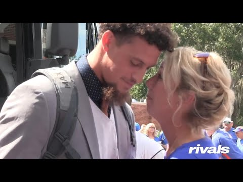 Lance Houston - Wife of University of Florida Football Coach Gives Kisses to Players