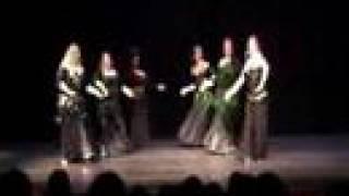 Group Voi Performance (Veil Poi) Dana Beaufait