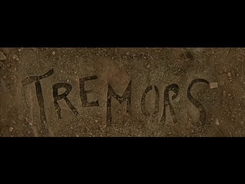 O Ataque dos Vermes Malditos - Trailer da Série LEGENDADO (HD)