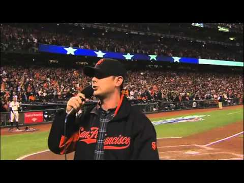 20121025 Colin Hanks sings during stretch