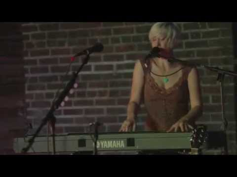 "Rae Hering ""Infinity"" (Live at South X Sea, 2015)"