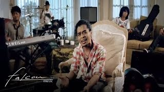 Blackout - Resiko Orang Cantik (Official Music Video)