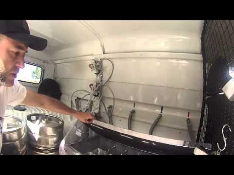 Sr E Sra R1 Apresentando A Komboza Beer Food Truck