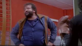 Pelea En El Gym Bud Spencer Terence Hill Juntos Son Dinamita Audio Español Youtube
