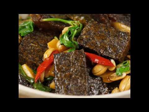 豆油伯健康煮-塔香皮蛋豬血糕干鍋