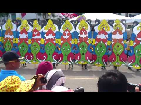 Cabantian National High School joins the Kadayawan Festival