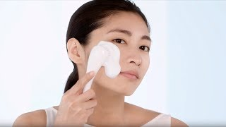 How to Wash Your Face Using a Cleansing Brush | Skincare Tutorial | Shiseido