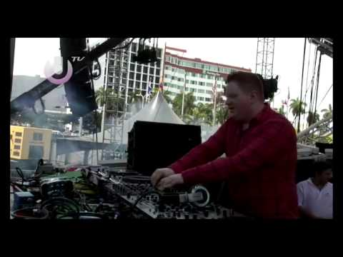 Клип Marcus Schossow - Live at Ultra Music Festival in