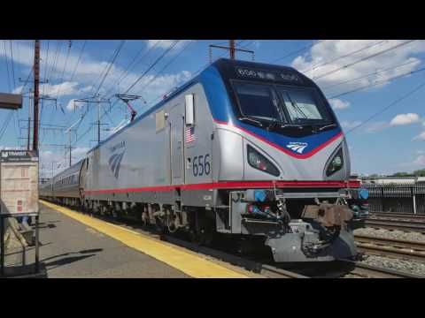 Amtrak Silver Meteor Train No. 97 with two new Viewliner diners