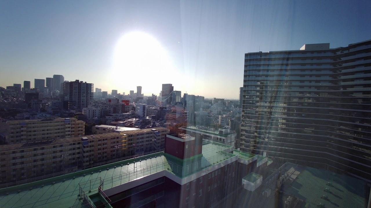 館 日本 ホテル 青年