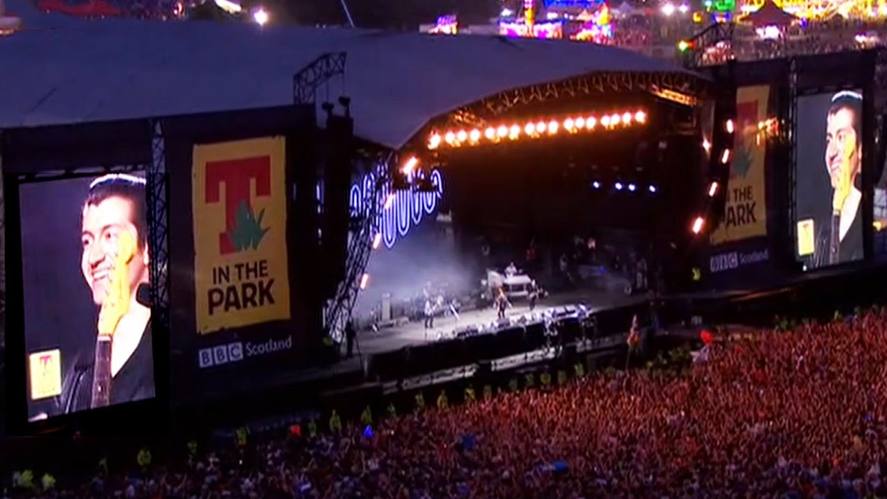 Resultado de imagen de Arctic Monkeys T in the Park 2014 full set 13/7/14