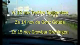 Die Nakse Bananen en Splodgenessabounds on the road