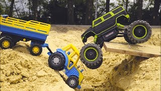 Играем в Большой песочнице с синим тракт...