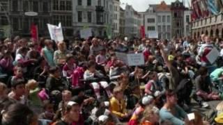 FIJN STOF Hilde Frateur & Overkapping ring Antwerpen met trio Fleur Hardi