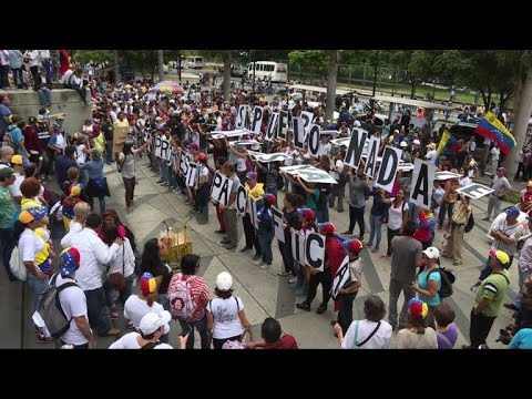 Opposition marches continue in Caracas