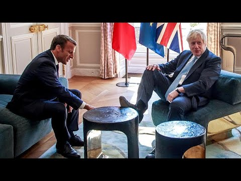 شاهد: جونسون يضع قدمه على طاولة ماكرون في قصر الاليزيه  - نشر قبل 7 دقيقة