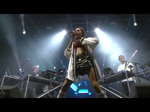 Disclosure  White Noise feat Aluna at Reading Festival 2013