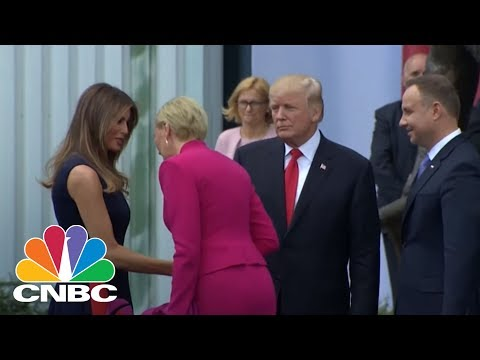 President Donald Trump Gets Snubbed By Poland's First Lady Agata Kornhauser-Duda | CNBC