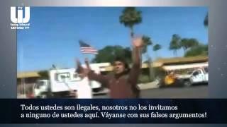 """Nativo Americano en protesta anti-inmigrante, les dice: """"Todos ustedes son ilegales"""""""
