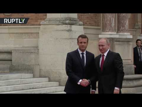 RT: First Meeting: Macron welcomes Putin to Versailles