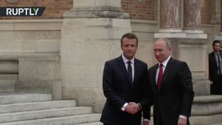 First Meeting: Macron welcomes Putin to Versailles