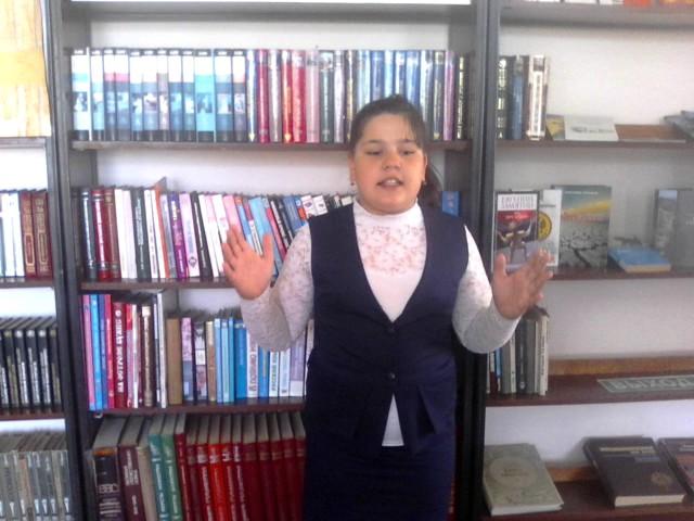 Изображение предпросмотра прочтения – ВиолеттаЗайкова читает произведение «Баллада о Матери» А.Д.Дементьевa
