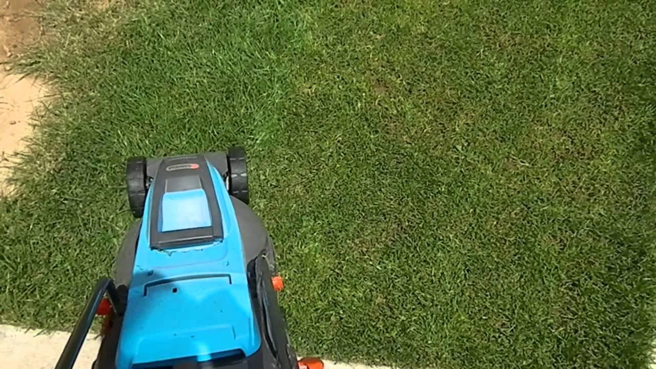 gardena 32e powermax mowing lawn youtube. Black Bedroom Furniture Sets. Home Design Ideas