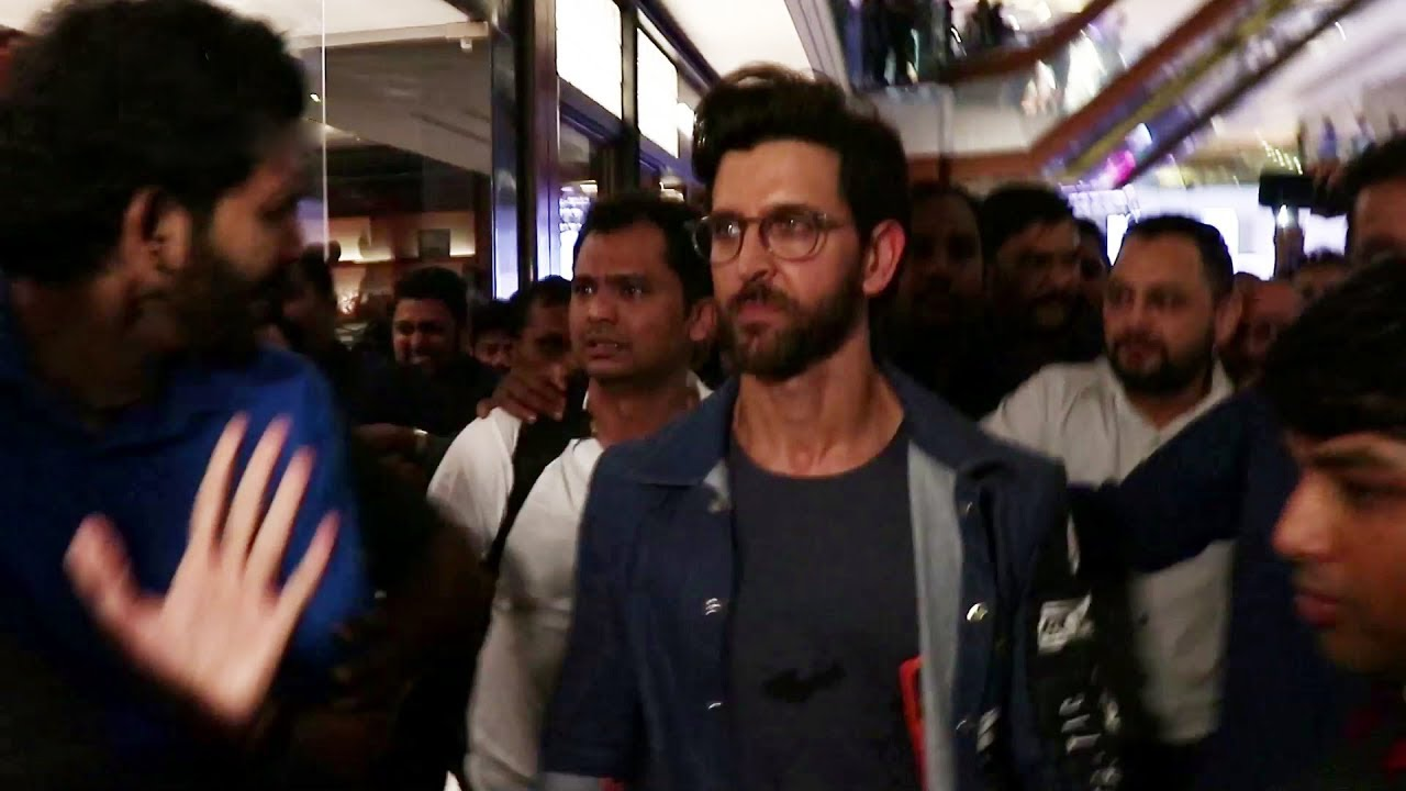 Hrithik Roshan's GRAND Entry At RADO's New Sport Collection Launch