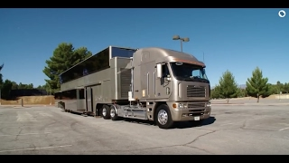 Download Celebrity Motor Homes (Will Smith 2 Story Trailer) Mp3 and Videos