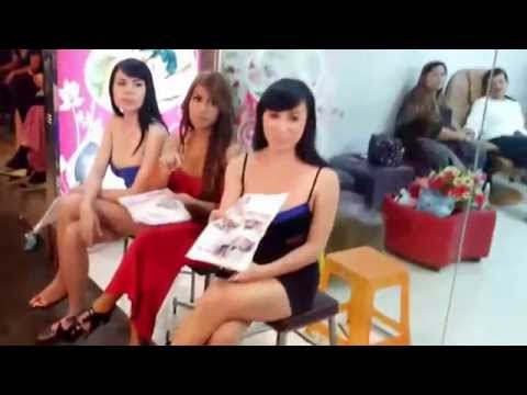 Red Light Business Bangkok Daily Work of Thai Girls Soapy Massage 2015