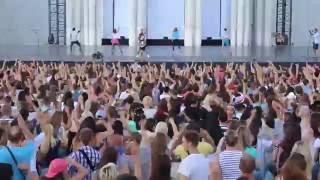 Танцевальный флэшмоб на Дне Танца фестиваля 'Вдохновение' (ВДНХ)