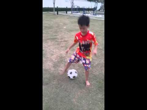 เด็ก 7 ขวบ อยากเป็นนักฟุตบอล