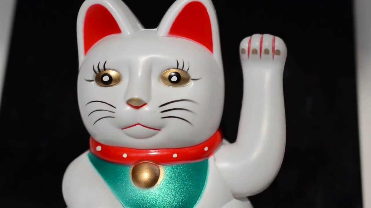 Chat porte bonheur d coratif maneki neko beckoning cat youtube - Porte bonheur chinois chat ...