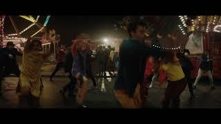 『ロケットマン』本編映像|「SATURDAY NIGHT'S ALL RIGHT FOR FIGHTING/土曜の夜は僕の生きがい」ミュージカルシーン