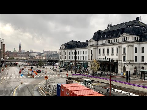 Stockholm Walks: Central Station to City Hall. Grand and grey with personal guidance. Street sounds