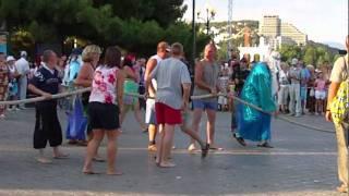 Праздник Нептуна в Алуште(Конкурс на перетягивание каната. Видео — для сайта http://alushtalive.com/, 2011-08-09T12:07:11.000Z)