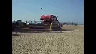 На Азовском море !!!(Скоро лето 2014 года.Хочется снова съездить к морю.А пока посмотрим кое какие видео отдыха 2013 года на Азовском..., 2014-02-19T14:58:46.000Z)