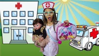 BIANKINHA é médica por um dia e salva a bebê Reborn ♥ Pretend Play With Doctor