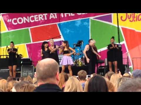 Piano-Ariana Grande Live
